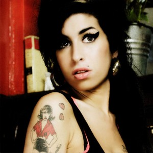 "amy winehouse: tappa ""astemia"" al summer festival"