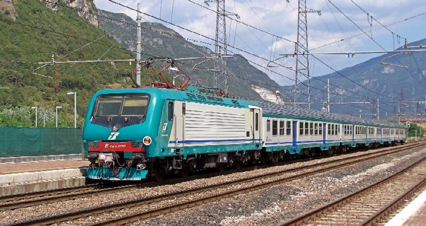 Regione piemonte dal 3 aprile la terza coppia fast sulla - Orari treni milano torino porta susa ...